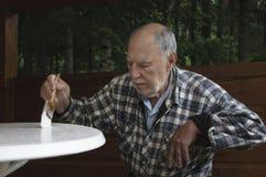 Starzejący się starszego mężczyzna obraz Obrazy Royalty Free