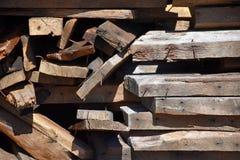 Starzejący się Złomowy drewno z gwoździami obrazy stock