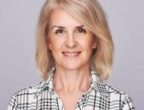starzenie się piękna kobieta centralna zdjęcia stock
