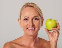 starzenie się piękna kobieta centralna Fotografia Royalty Free