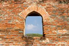 Starzy ściana z cegieł pałac królewiątko Rama w Tajlandia, Obrazy Royalty Free