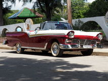 Starzy amerykańscy samochody w Kuba Zdjęcie Stock