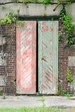 Starzy bunkierów drzwi przy Piaskowatym haczykiem Nowym - bydło Obrazy Stock