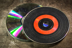 Starzy cd Na drewnie Fotografia Royalty Free