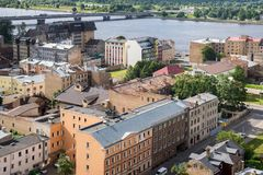 Starzy cegła domy z ośniedziałymi dachami, Ryskimi, Latvia odgórny widok Zdjęcie Royalty Free