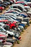 Starzy dżonka samochody Na Junkyard Fotografia Stock