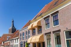 Starzy domy i kościelny wierza w Hasselt Obraz Stock