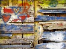 Starzy drewniani drzwiowi miłość graffiti Obrazy Stock