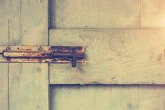 Starzy drzwi, rękojeści, kędziorki, kratownicy i okno, zdjęcia royalty free