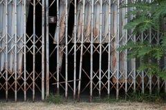 Starzy drzwi zamykają Obraz Stock