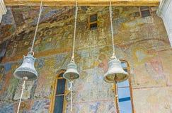 Starzy dzwony Dormition kościół w Vardzia Zdjęcia Royalty Free