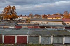 Starzy garaże w linii Zdjęcia Stock