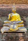 Starzy imgae Buddha na chedi świątyni publicznie Obrazy Stock