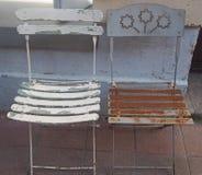 Starzy kawiarni krzesła Obrazy Royalty Free