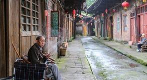Starzy ludzie w Gao miao miasteczku, Sichuan, porcelana zdjęcie royalty free