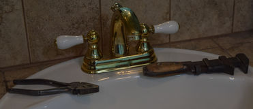Starzy narzędzia i zlew Fotografia Royalty Free