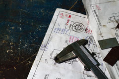 Starzy noniuszy calipers na rysunku planie Zdjęcie Royalty Free