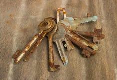 Starzy ośniedziali klucze Zdjęcia Stock