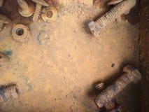 Starzy ośniedziali rygle, stal, dokrętki Fotografia Stock