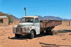 Starzy Ośniedziali samochody w Namib pustyni brać w Styczniu 2018 zdjęcie stock