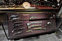 Starzy pistolety w muzeum wojna Obraz Royalty Free