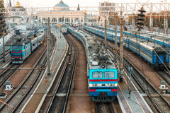 Starzy pociągi na ukraińskich kolejach Obrazy Royalty Free