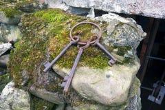 Starzy pomnikowi metali klucze Zdjęcia Stock