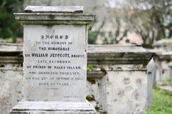 Starzy popielaci nagrobki Cmentarz w Malezja obrazy stock