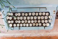 Starzy Ręczni maszyna do pisania klucze w Tajlandzkim języku Zdjęcia Stock