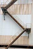 Starzy rdzewiejący metali schodki obraz royalty free