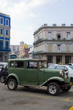 Starzy 1920's samochodowi w Hawańskim Kuba Zdjęcie Royalty Free