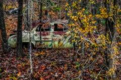 Starzy samochody na zboczu zdjęcia royalty free