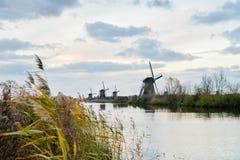 Starzy wiatraczki w Kinderdijk przy wschodem słońca, Holandia, holandie, Eu Zdjęcie Royalty Free
