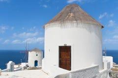 Starzy wiatraczki w Santorini Zdjęcie Royalty Free