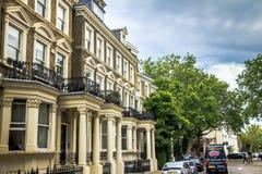 Starzy wielcy mieszkanie domy w terenu Kensington olimpia, Londyn obraz royalty free