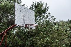 Starzy zaniechani szkolni sporty sąd lub boisko szkolne dla różnego ac Fotografia Royalty Free