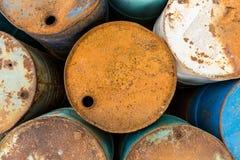 Starzy zbiorniki zawiera niebezpiecznego substancja chemiczna widok od wierzchołka Obraz Stock