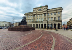 Staszic pałac w wieczór w Warsawa fotografia stock