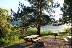 Free State Camping Site On Cascade Lake Royalty Free Stock Photo - 158233225