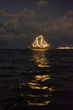 Statek jarzy się w morzu fotografia stock