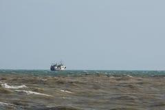 Statek na horyzoncie Zdjęcia Stock