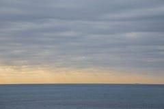 Statek na horyzoncie Fotografia Stock