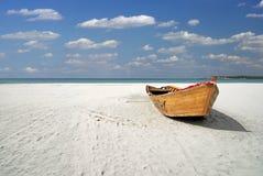 statek na plaży Zdjęcia Royalty Free