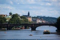 Statek na rzecznym Vltava Praga Obraz Royalty Free