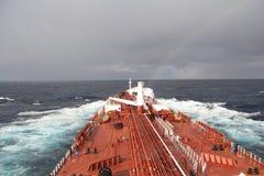 Statek Tankowiec w Atlantyckim oceanie tęcza Obrazy Royalty Free