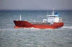 Statek w szorstkim morzu Zdjęcie Royalty Free