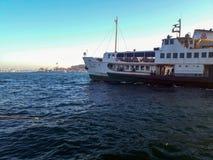 Statek Wycieczkowy na Bosphorus Karakoy Istanbuł obraz stock