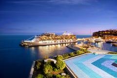 Statek Wycieczkowy przy nocą w Monaco schronieniu Fotografia Royalty Free