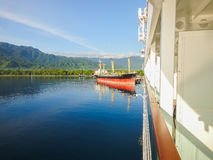 Statek wycieczkowy w indonezyjczyka porcie obrazy royalty free