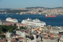 Statek wycieczkowy w Istanbuł schronieniu, Turcja Zdjęcia Stock